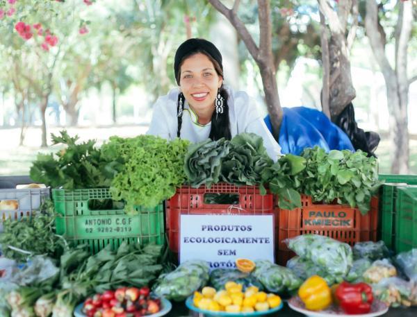 Ana Paula Boquadi, chef du restaurant Buriti Zen à Brasilia, fait partie de chefs engagés à valoriser la biodiversité du Cerrado. © Buriti Zen