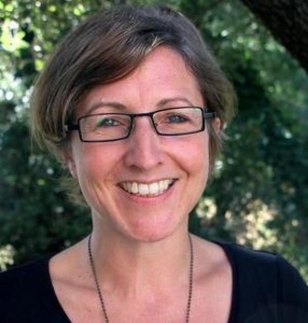 Marisa Peyre, épidémiologiste au Cirad, détaille les grands principes de réussite des partenariats public-privé dans le domaine vétérinaire © Cirad, C. Dangléant